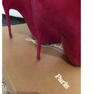 8d16a0bb2f0 Christian Louboutin Shoes - 🎀Christian Louboutin🎀 So Kate Booties